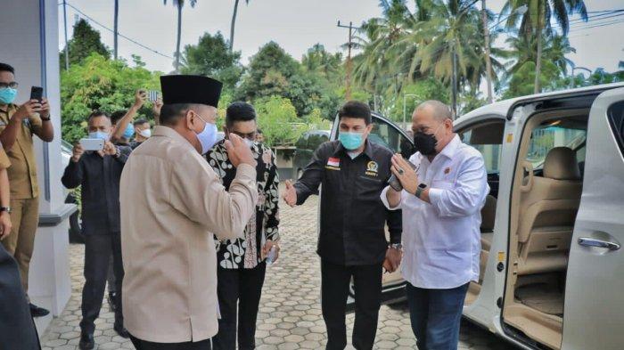 """Ketua DPD RI Minta Daerah Lain Tiru Inovasi Pelayanan Publik """"Si Kebun Pintar"""" Pemkab Lutra Sulsel"""
