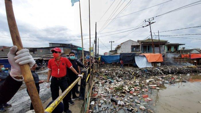 Bersihkan Sungai di Kali Dadap, Yasonna Harap Masyarakat Peduli Lingkungan