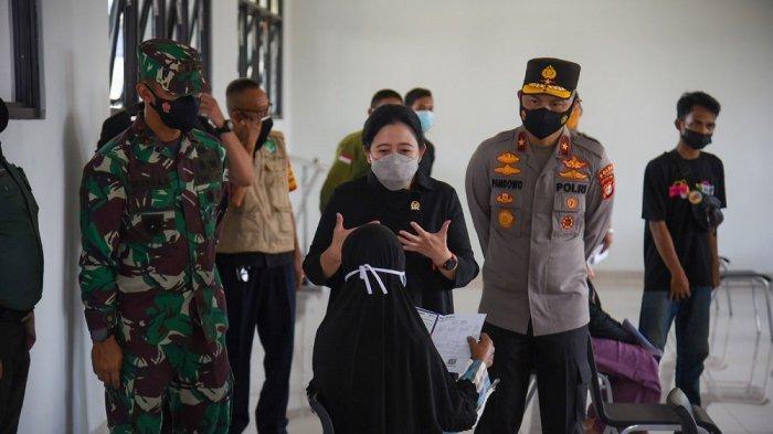 Tinjau Vaksinasi di Jakbar, Puan: Jangan Ada Warga yang Tertinggal