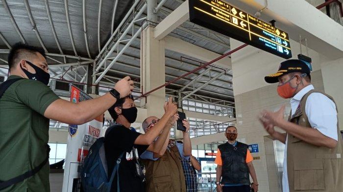 Petugas Terminal Pulo Gebang: Penumpang Wajib Miliki SIKM