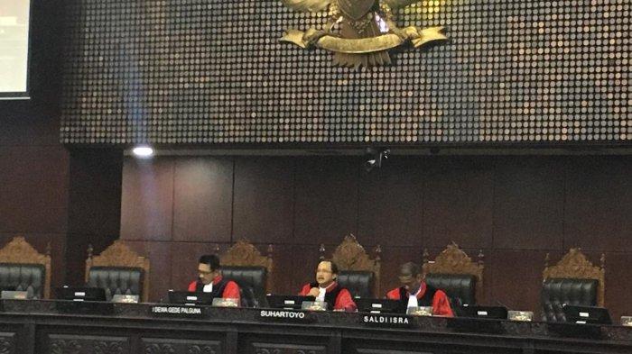 Hakim MK Minta Istilah Pemilukada Tak Digunakan Lagi