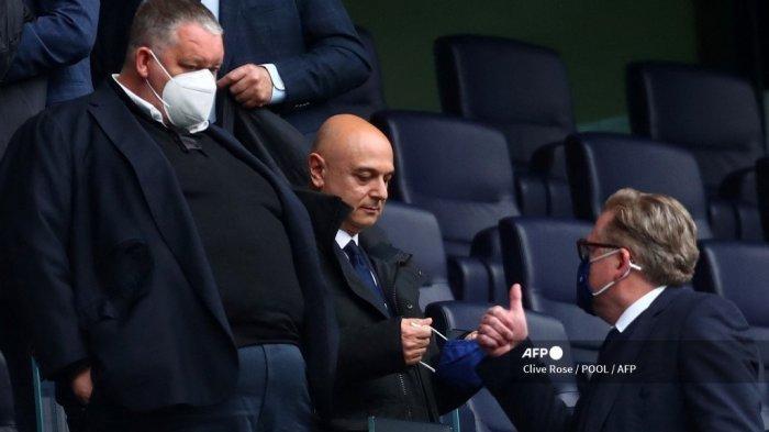 Liga Inggris - Desakan Suporter Minta Daniel Levy Tinggalkan Tottenham