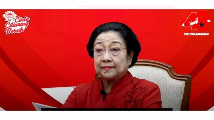Megawati Tulis Sendiri Jenis Makanan & Obat-obatan yang Dikirim untuk Korban Bencana di NTB dan NTT