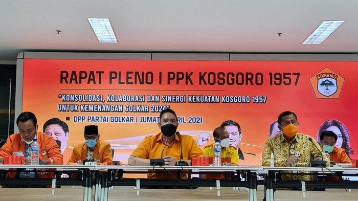 Pimpin Rapat Pleno Perdana, Dave Laksono Tegaskan Kosgoro 1957 Solid Dukung Golkar di 2024