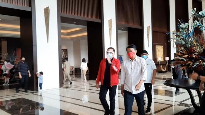 Ketua Umum PSSI, Mochamad Iriawan saat bertemu dengan Shin Tae-yong di Hotel Fairmont, Jakarta, Rabu (29/7/2020).