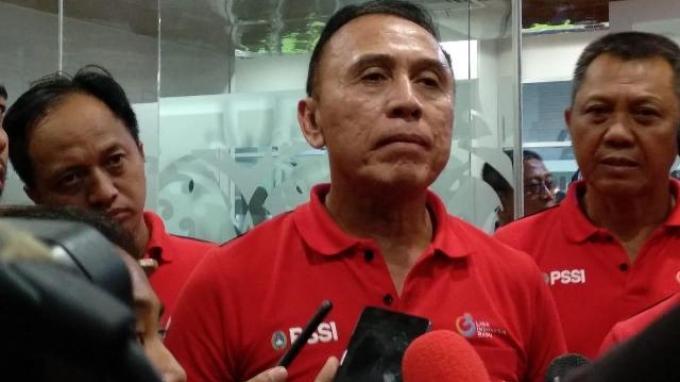 Ketum PSSI Mochamad Iriawan saat diwawancarai setelah membuka Liga 2 2020 di Stadion Batakan, Balikpapan, Kalimantan Timur, Sabtu (14/3/2020).
