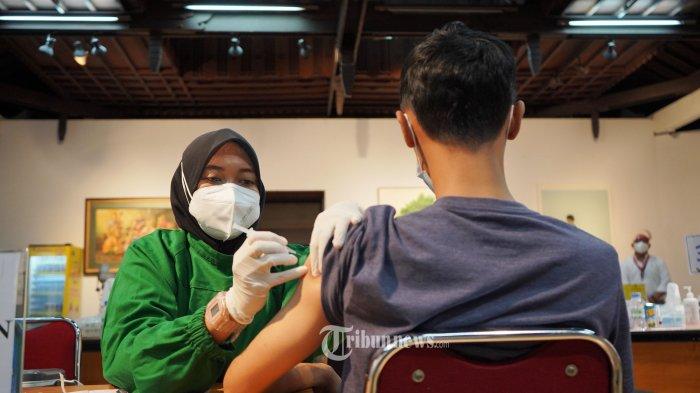 Fraksi PKS Tolak Rencana Sanksi Denda Bagi Warga Tak Mau Divaksin Covid-19