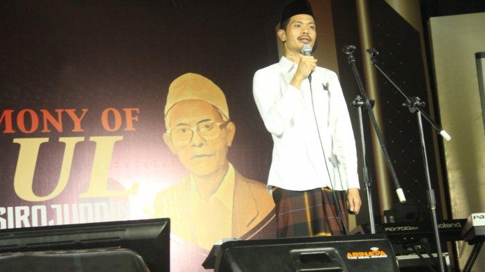 KH Imam Jazuli menyampaikan sambutan di acara Haul KH Anas Sirajuddin