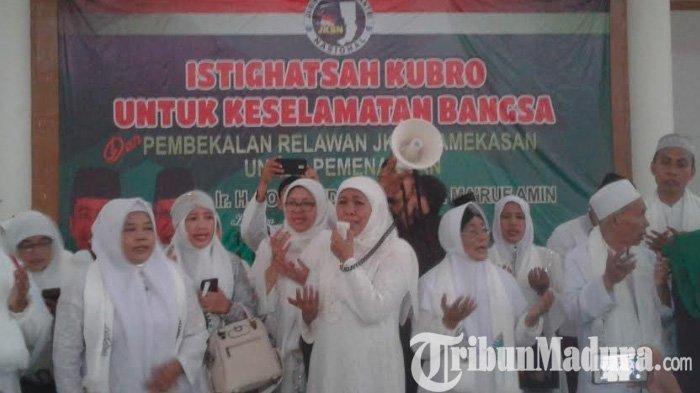 Acara Istighosah Kubro Pemenangan Jokowi-Ma'ruf Diterjang Puting Beliung, Khofifah Teteskan Air Mata