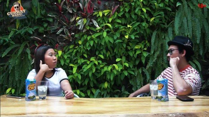 Kiky Saputri curhat pada Denny Sumargo malas untuk me-roasting artis lantaran pernah alami kejadian tak menyenangkan.