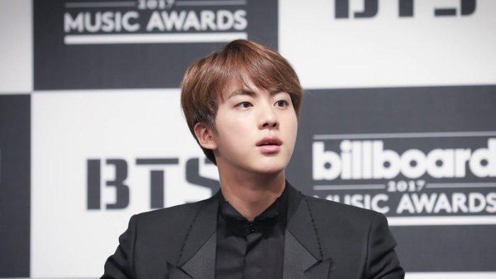 Direktur Kreatif Tur Konser BTS Sebut Penampilan Solo Jin Seperti Bertemu Dewa