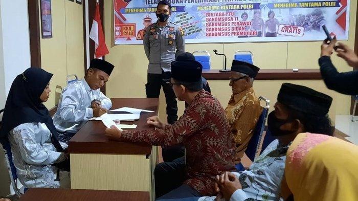Terjerat Kasus Narkoba, Pria di Riau Ini Terpaksa Menikah di Kantor Polisi