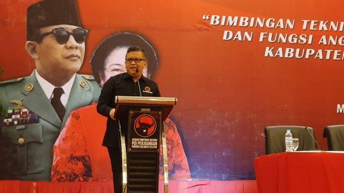 Sekjen PDIP Hasto Kristiyanto  di Makassar, Sulawesi Selatan, Selasa (3/12/2019).
