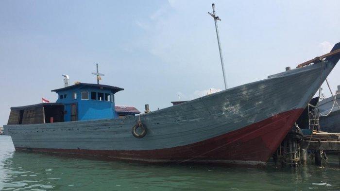 Kapal Motor (KM) Jaya Makmur 33 yang dilaporkan hilang kontak oleh pemilik kapal, Purnomo kepada pihak Basarnas. Kapal berbobot 96 Gross Ton (GT) membawa material bangunan dari Tanjungpinang ke resort Internasional Pulau Bawah, Kabupaten Kepulauan Anambas, Provinsi Kepri.