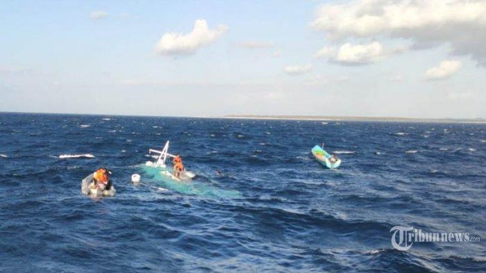 Tergulung Ombak, Kapal Berpenumpang 3 Nelayan Terbalik di Perairan Gunungkidul