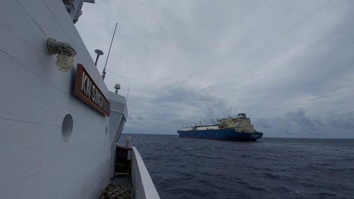 Bakamla RI Usir Kapal Tanker Yunani yang Mondar-mandir di Perairan Maluku