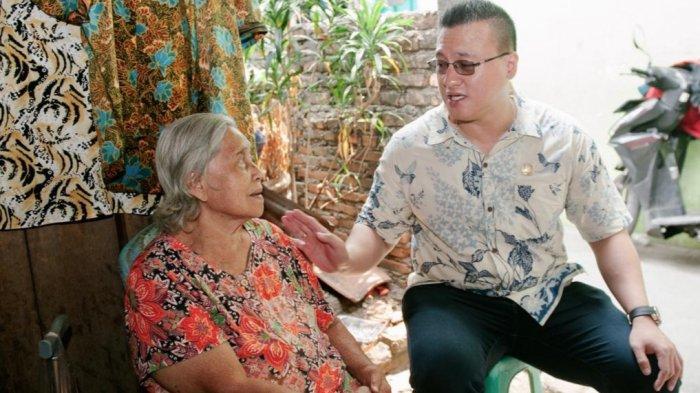 Hardiyanto Kenneth Kunjungi Nenek Jompo Sebatang Kara di Kebon Jeruk