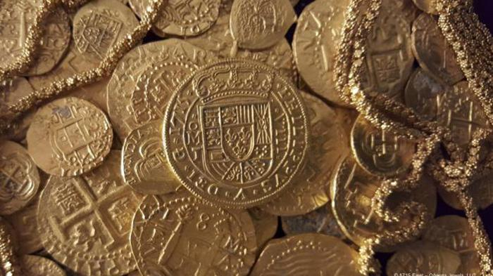 Sebanyak 51 koin emas, rantai emas sepanjang 12 meter dan satu koin kerajaan untuk Raja Spanyol Philip V ditemukan di lambung bangkai kapal Spanyol abad 1715 yang tenggelam di Laut Atlantik.