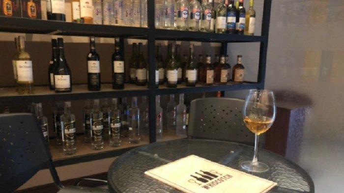 Tips Menyimpan Minuman untuk Koleksi, Beda Jenis Beda Caranya