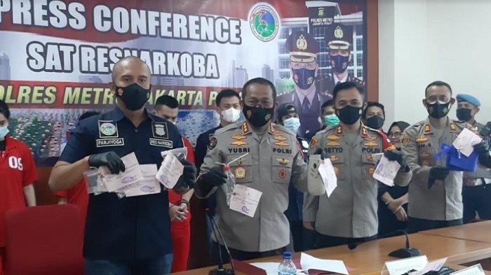 Polres Metro Jakarta Pusat gelar giat rillis penangkapan aktor Agung Saga, terkait penyalahgunaan narkoba, Rabu (31/3/2021).