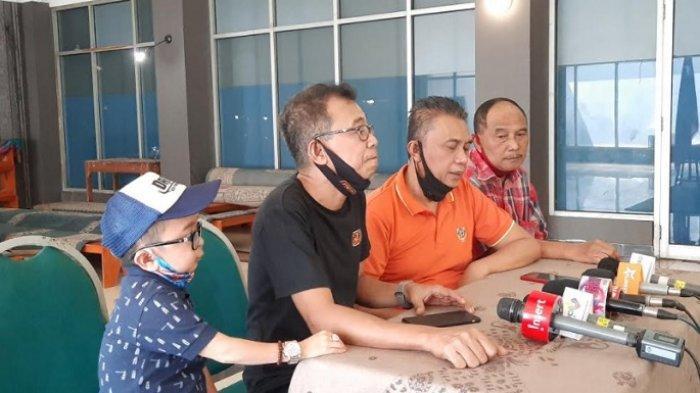 Komedian yang tergabung dalam naungan PASKI gelar jumpa pers terkait penahanan Nurul Qomar di Lapas Brebes, di kawasan Duren Sawit Jakarta Selatan, Kamis (20/8/2020).