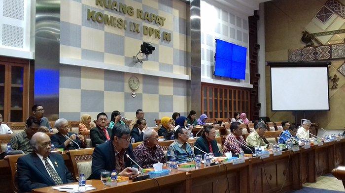 Gelar RDP, Komisi IX Minta IDI Beberkan Praktik Dokter Terawan Tanpa Terkecuali