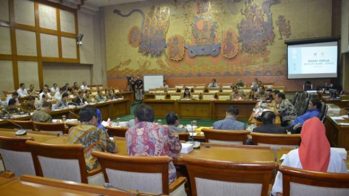 Berikut Penjelasan Sri Mulyani Terkait Pemberian PMN pada KAI dan Djakarta Lloyd