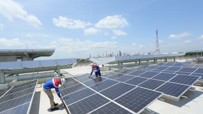 Komitmen Transisi Energi, Pertamina Bidik Pemasangan PLTS 500 MW di Area Operasi Pertamina Group