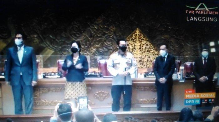 Komjen Listyo Sigit dan Pimpinan DPR melakuan foto bersama di ruang rapat Gedung Nusantara, Komplek Parlemen, Jakarta, Kamis (21/1/2021).