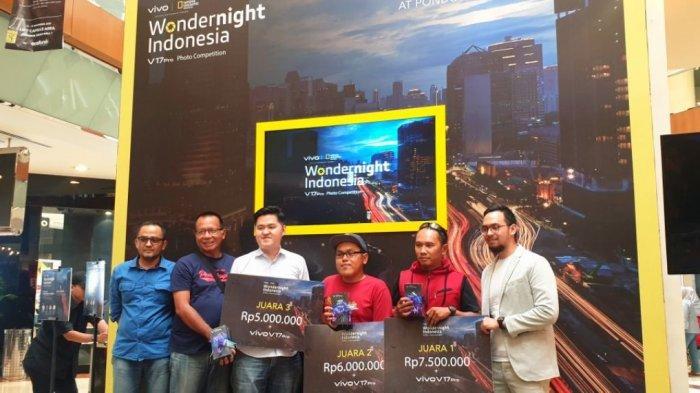 vivo Indonesia dan National Geographic Indonesia memberikan penghargaan kepada para pemenangWondernight Indonesia V17 Pro Photo Competition di Pondok Indah Mall 1, Jakarta, Minggu (17/11/2019).