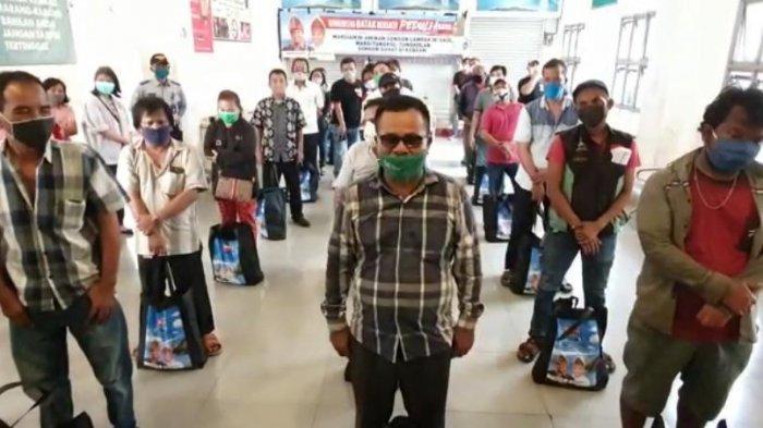 Komunitas Batak Bersatu Berbagi Ribuan Paket untuk Warga Jakarta