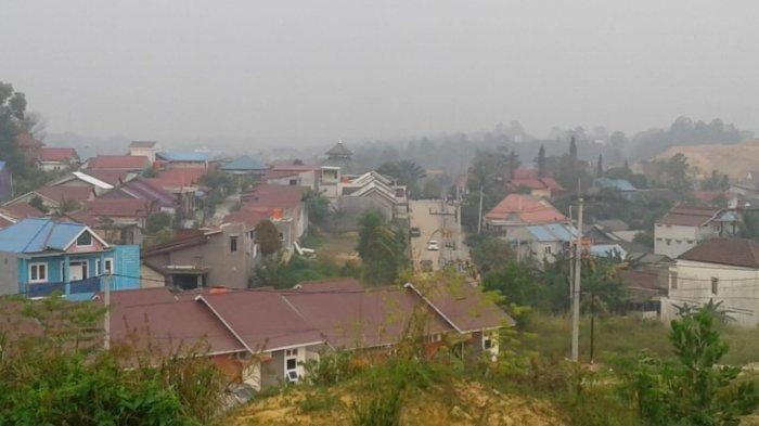 Bukit Batuah Balikpapan Berselimut Kabut Asap dan Ancaman Kesehatan Warga Menderita ISPA