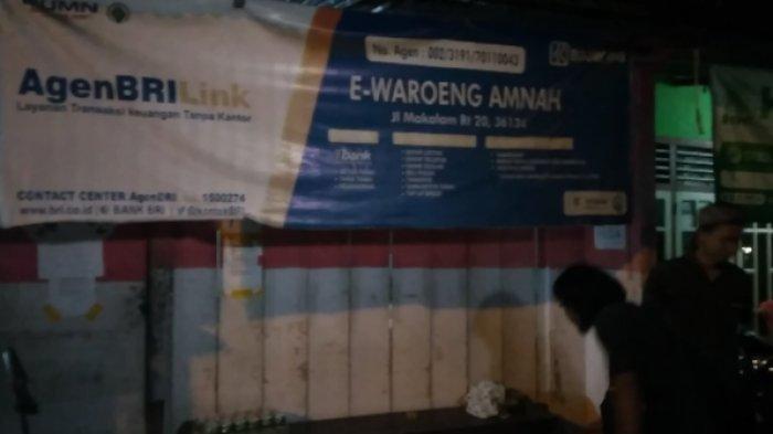 Kondisi rumah M Nuh di RT 20, Kampung Manggis, Kelurahan Sungai Asam, Kecamatan Pasar, Kota Jambi, Kamis (21/5/2020) malam. Pria ini menang lelang motor listrik Jokowi senilai Rp 2,550 miliar.