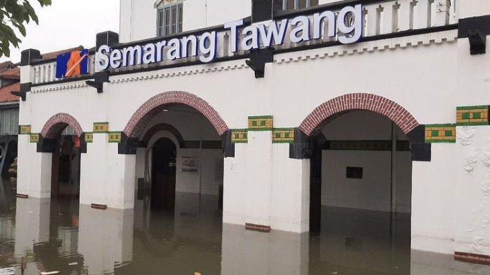 Masih Terendam Banjir, Stasiun Semarang Tawang Belum Bisa Layani Penumpang