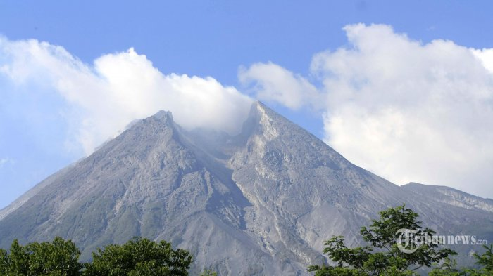 BPPTKG Catat Gempa Guguran Gunung Merapi Sebanyak 33 Kali