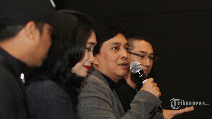 Pentolan grup band Kahitna, Yovie Widianto bersama para pendukung acara konser saat konferensi pers di Jakarta, Senin (15/10/2018). Konser yang rencananya diadakan pada 7 November di JCC mendatang bertajuk Inspirasi Cinta Yovie & His Friends dan didukung musisi ternama seperti Glenn Fredly, Kahitna, Tulus, Yovie&Nuno;, Rossa, Arsy Widianto, dan Brisia Jodie. TRIBUNNEWS/HERUDIN