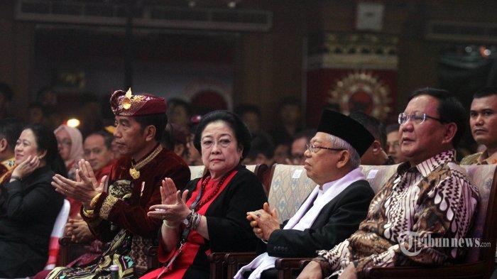 Presiden Joko Widodo bersama Wapres Jusuf Kalla, Ketua Umum PDIP Megawati Soekarnoputri, Wapres terpilih Maruf Amien, dan Ketua Umum Partai Gerindra Prabowo Subianto menghadiri pembukaan Kongres ke-V PDI Perjuangan di Bali, Kamis (8/8/2019). Kongres yang akan berlangsung sampai hari Sabtu 10 Agustus 2019 tersebut mengagendakan pidato politik Megawati Soekarnoputri dan penyusunan kepengurusan partai. TRIBUN BALI/RIZAL FANANI