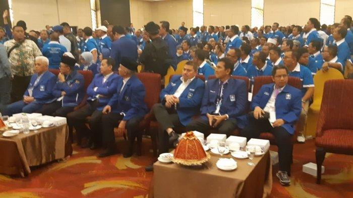 Sidang Pembahasan Kursi Ketua Umum Partai Amanat Nasional (PAN) Diskors. Suasana di dalam ruang sidang di Kendari, Sulawesi Tenggara, Selasa (11/2/2020), kembali memanas.