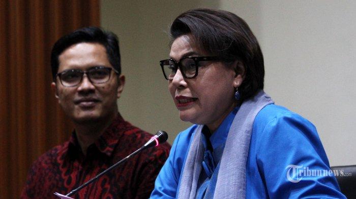 KPK Tetapkan Bupati Bengkulu Selatan Dan Istrinya Jadi Tersangka Kasus Suap Proyek