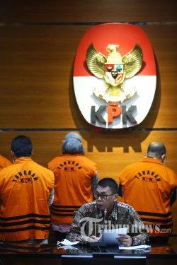 Geledah 5 Lokasi, KPK Sita Dokumen Terkait Kasus Suap Bupati Kutai Timur