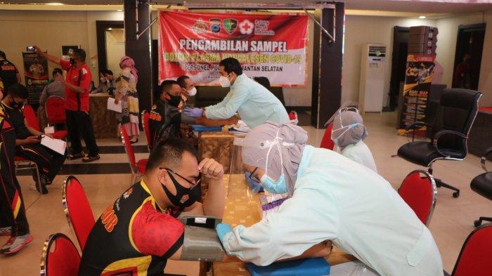 Bidang Kedokteran dan Kesehatan (Biddokkes) Polda Kalsel bekerja sama dengan Rumah Sakit Bhayangkara dan Palang Merah Indonesia (PMI) menggelar Pengambilan Sampel Donor Plasma Konvalesen para penyintas Covid-19 personel Polri dan PNS Polri, Jumat (19/2/2021) pukul 08.00 WITA