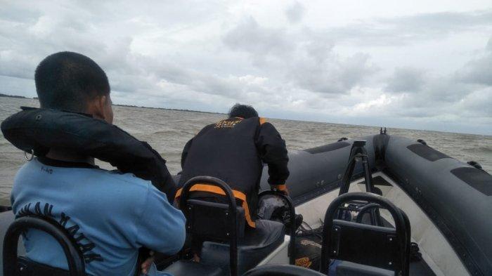 Kopaska Selamatkan Nelayan yang Mengapung di Perairan Untung Jawa Saat Pencarian Sriwijaya Air