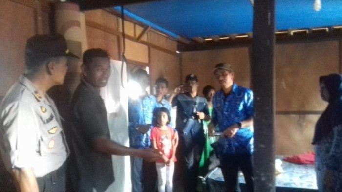 Warga Kampung Bontonompo, Kelurahan Borimasunggu, Kecamatan Labakkang Kabupaten Pangkep, Sulsel ditemukan gantung diri di rumahnya, Senin (2/11/2019) sekitar pukul 09.30 Wita. Tribun Pangkep/Munji
