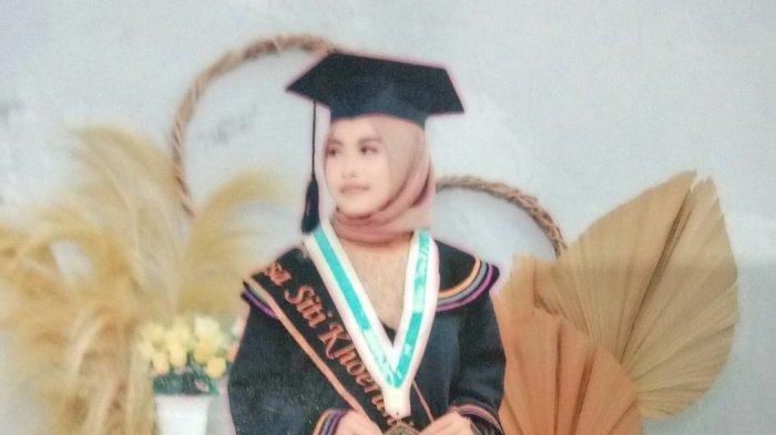 Resa Siti Khoeriyah, salah satu korban kecelakaan maut bus di Wado, Sumedang, ternyata hendak menikah di akhir tahun. Calon suaminya, yang masih di Korea, menangis histeris.
