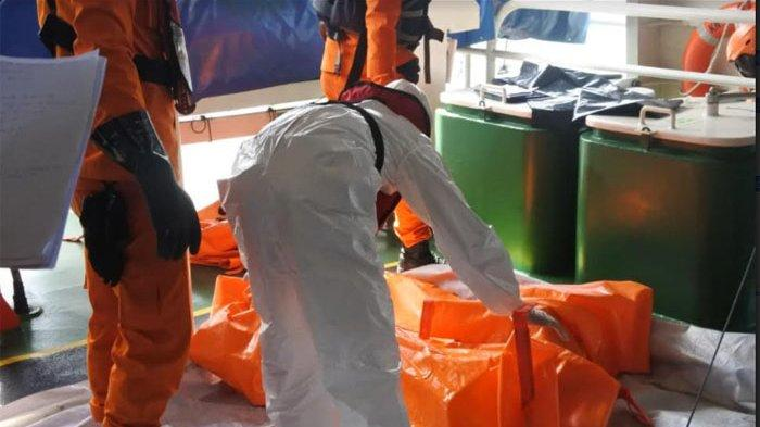 Tim gabungan penyelam Basarnas kembali menemukan body part atau potongan tubuh manusia di lokasi tempat jatuhnya pesawat Sriwijaya Air SJ-182.