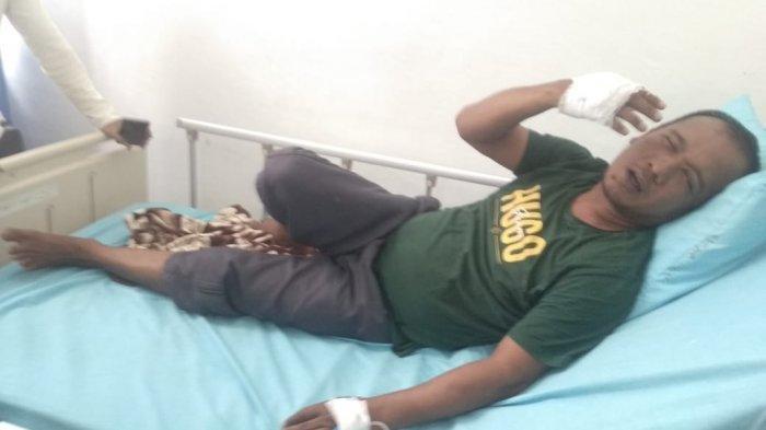 KOSTER Aprison Hutajulu terbaring di rumah sakit usai perkelahian terkait perbedaan
