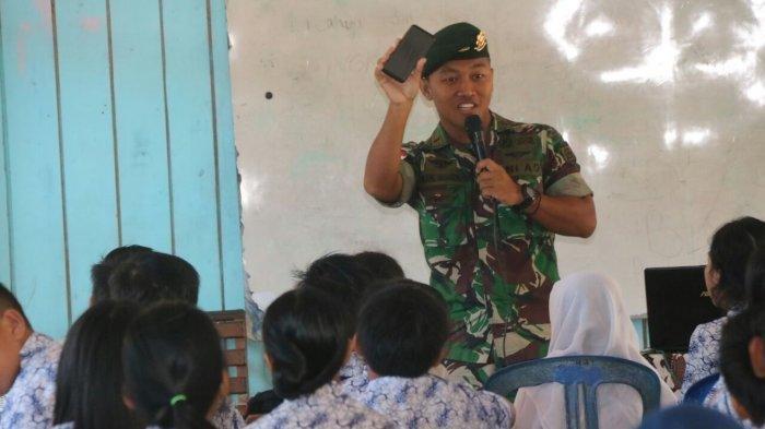 Prajurit Kostrad Ajari Siswa SMP di Perbatasan Soal Antisipasi Kejahatan Siber, Begini Faktanya