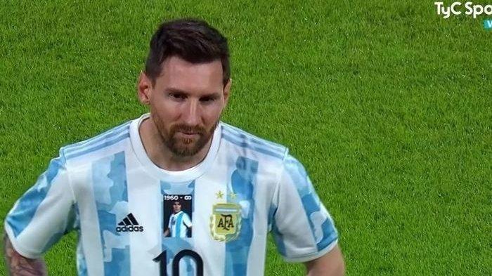 Jersey Kontroversial Timnas Argentina, Messi Cs Nekat Lawan Aturan FIFA di Laga Lawan Cile
