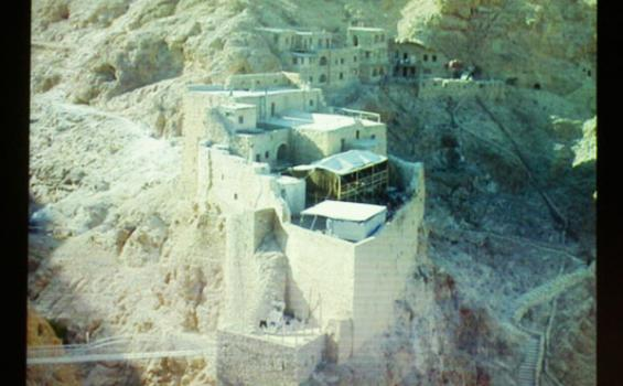 Misteri Reruntuhan Berusia 10 Ribu Tahun Terkubur di Suriah