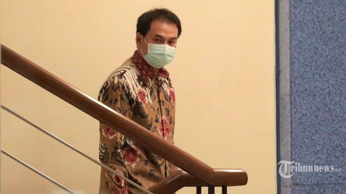 Berita Foto : KPK Jemput Paksa Azis Syamsuddin - kpk-jemput-paksa-wakil-ketua-dpr-azis-syamsuddin_20210924_202908.jpg